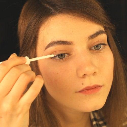 Die richtige Anwendung eines Wimpernserums