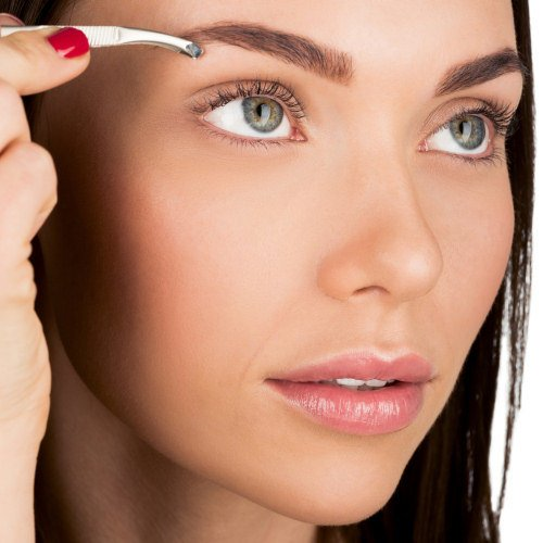 Step by step to perfect eyebrows