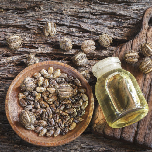 El aceite de ricino supuestamente alarga las pestañas